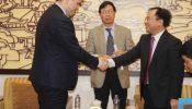 Thứ trưởng Nguyễn Văn Sinh tiếp Thứ trưởng Bộ Công thương Nga Osmakov Vasili
