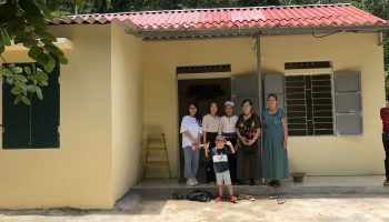 Vietnam Roof Sheet Association supports AC roof sheets for the poor in Hoa Binh province